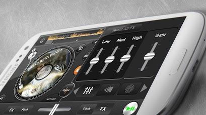edjing-pro-dj-mixer-turntables3